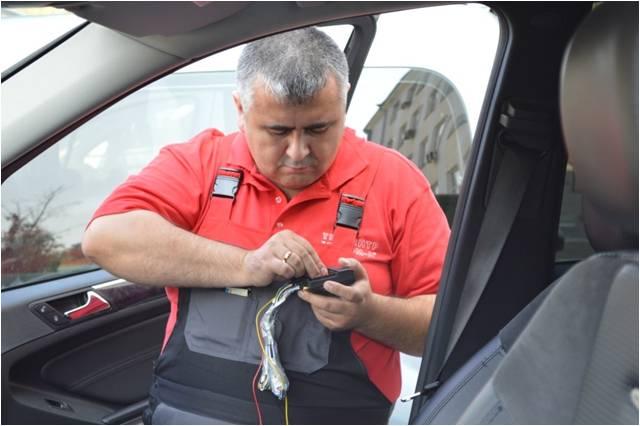 Обучение сотрудников установке автомобильных трекеров ГЛОНАСС/GPS